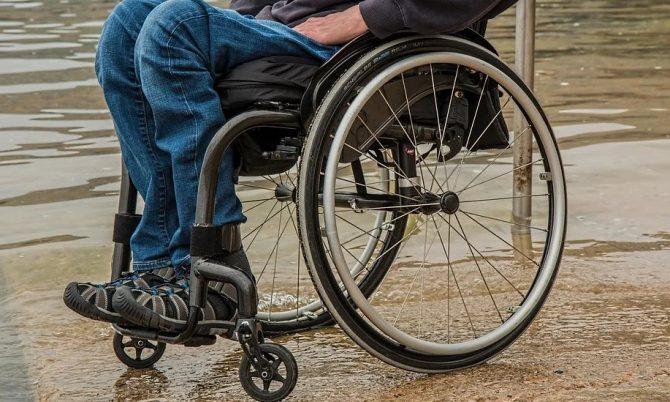 Нужно ли платить алименты на супруга-инвалида: основания по СК РФ, размер и порядок уплаты