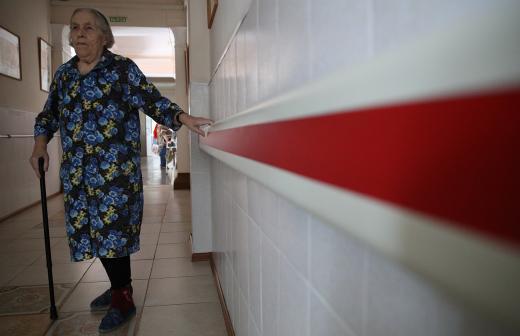 Минсоцразвития Мурманской области предложило создать приемные семьи для пожилых северян