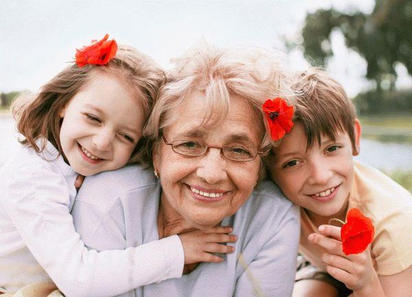 Бабушка изРоссии путешествует помиру наодну пенсию. ФОТО